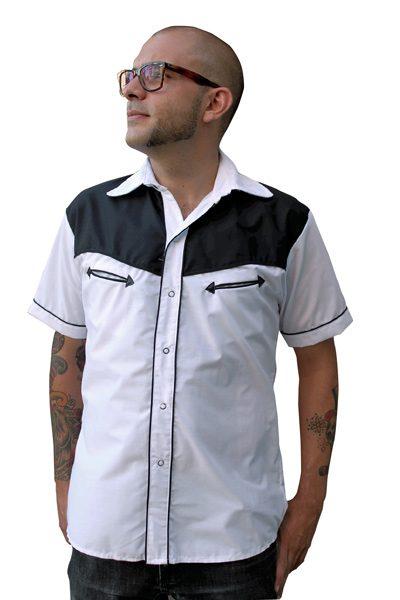 Camisa de manga corta blanca y negra